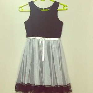 Emily West Girls Dress Black/White Sparkle Size 8.